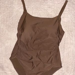 brown one piece swim suit🤎